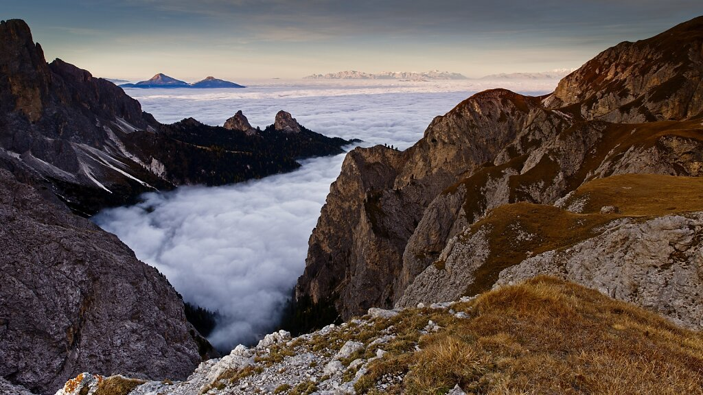 Cloudinversion and sunset from Rifugio Alpe di Tires